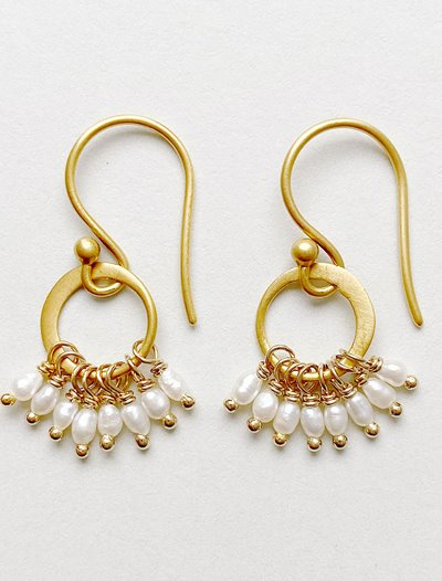 Cluster Earrings - Freshwater Pearl
